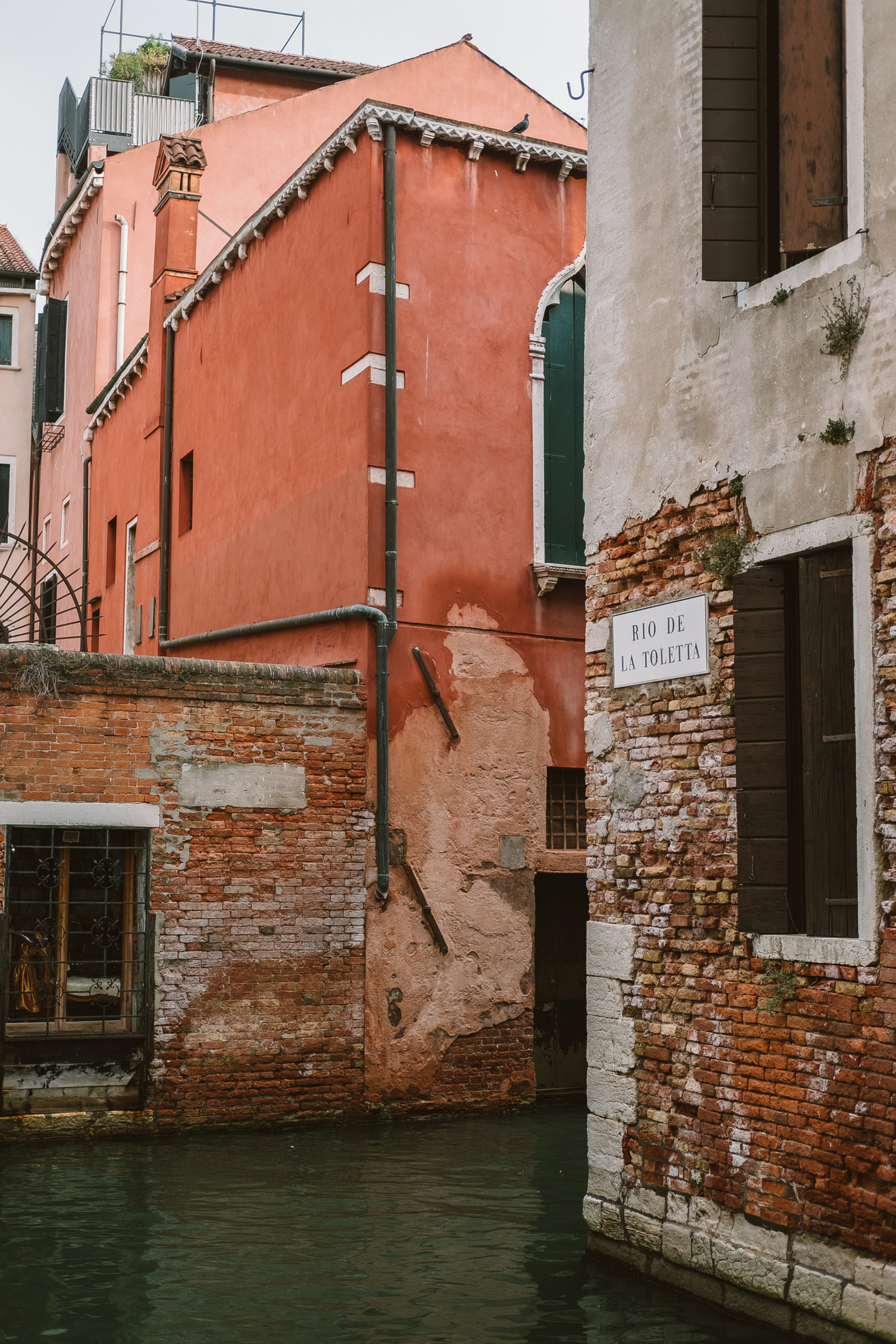 venice streets in the morning