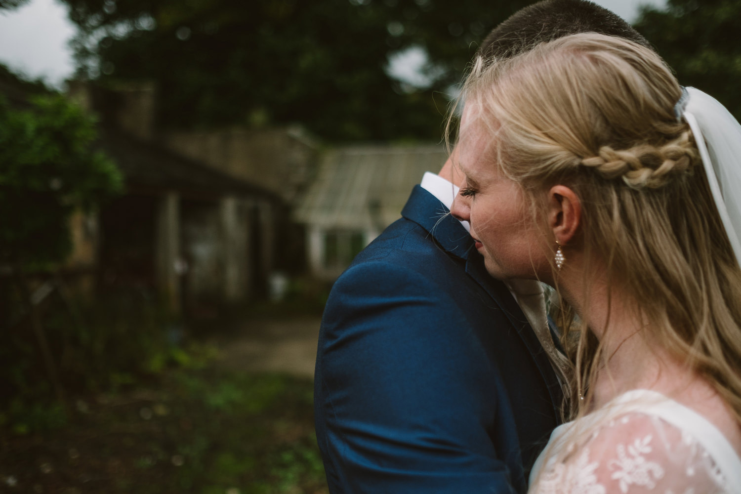 emotional wedding photography