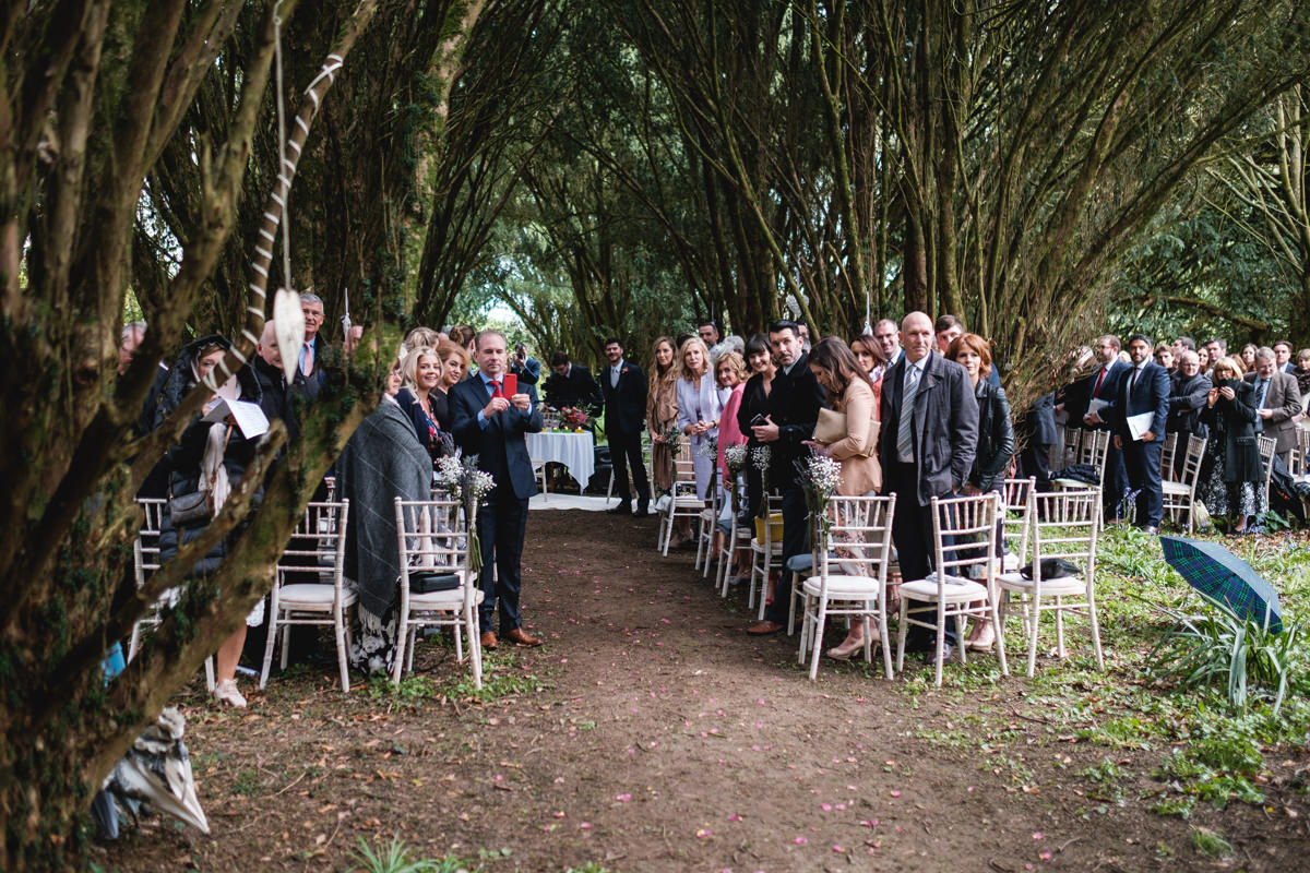 fun documentary wedding photography outdoor ceremony