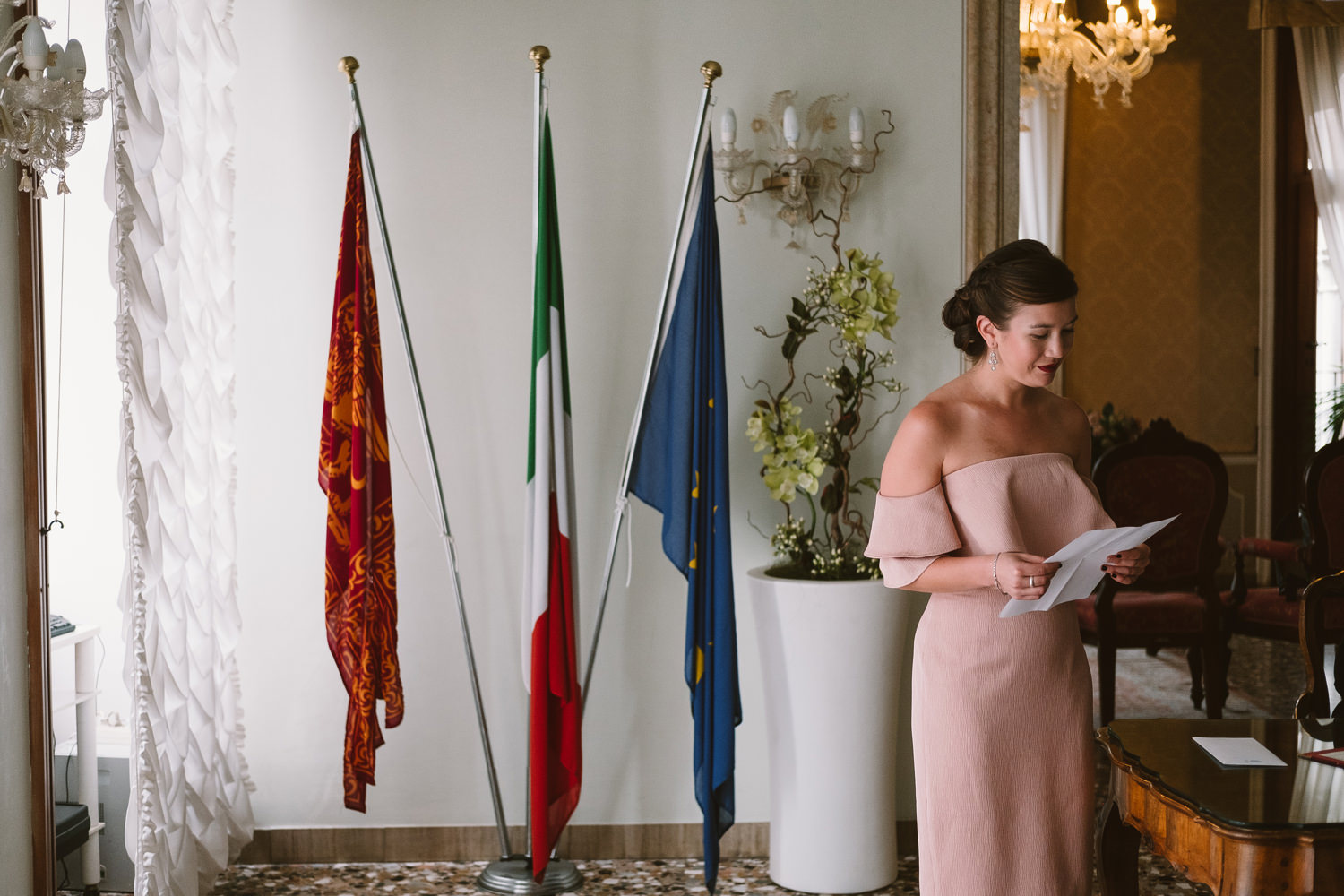 destination wedding ceremony at plazzo cavalli in venice by davi
