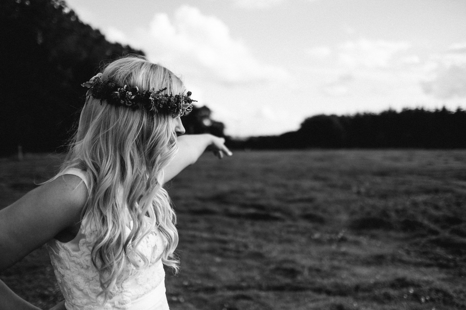 fuji xpro2 xt2 outdoor unposed candid wedding photography