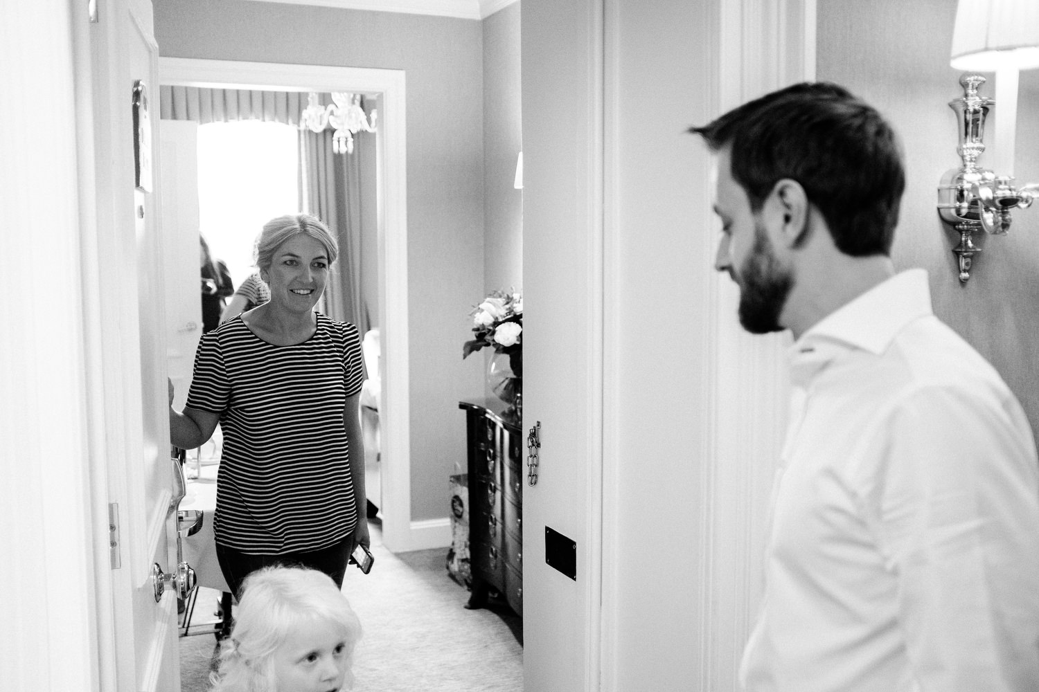 dmp0063_preparation_photographer_dublin_david_mcclelland_photography_shelbourne_documentary_wedding