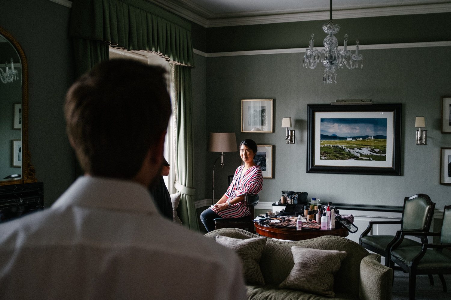 dmp0064_preparation_photographer_dublin_david_mcclelland_photography_shelbourne_documentary_wedding