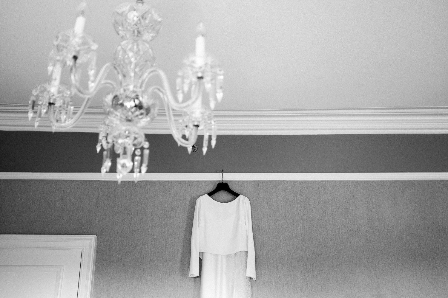 dmp0123_preparation_photographer_dublin_david_mcclelland_photography_shelbourne_documentary_wedding