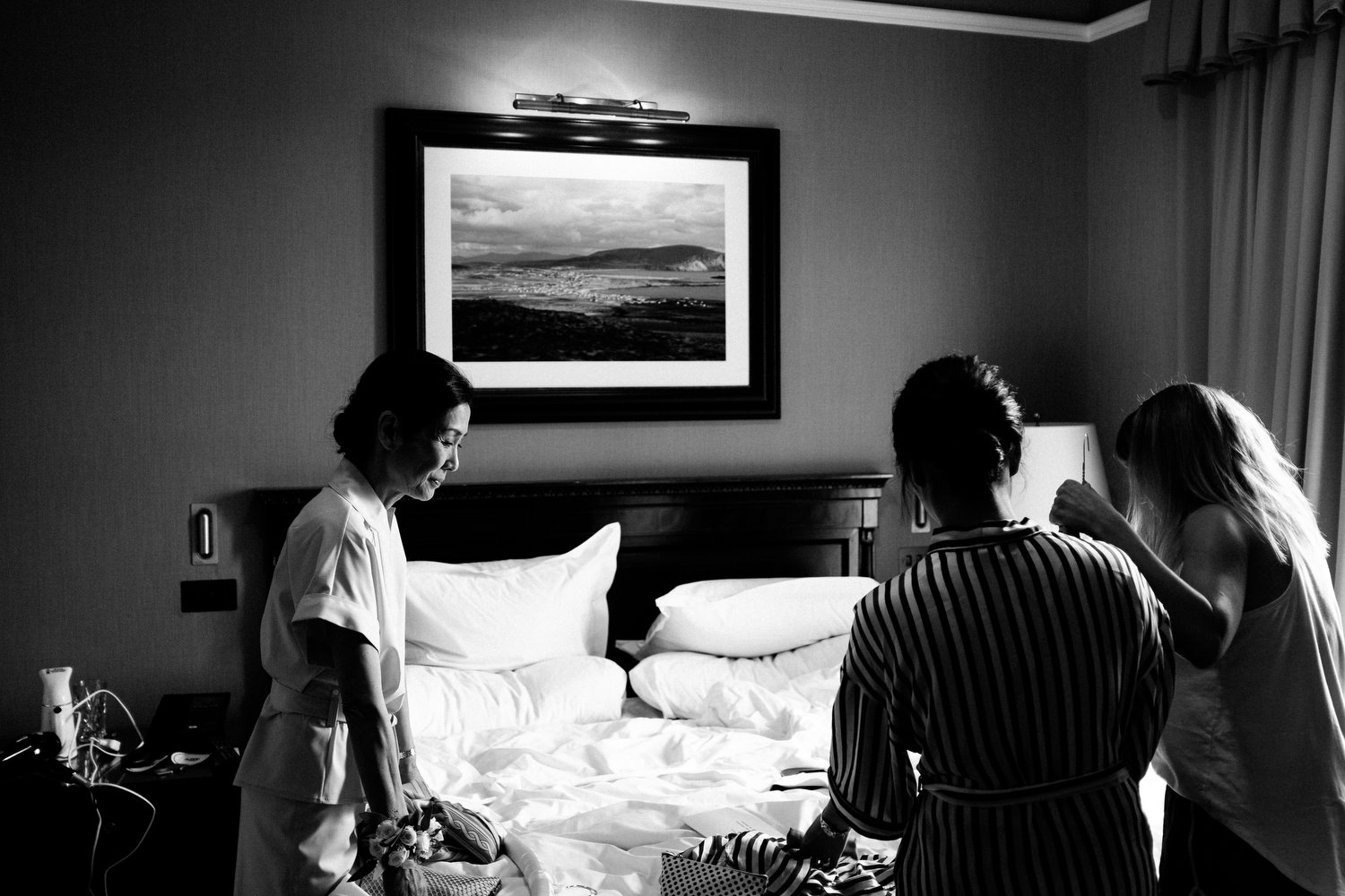 dmp0126_preparation_photographer_dublin_david_mcclelland_photography_shelbourne_documentary_wedding