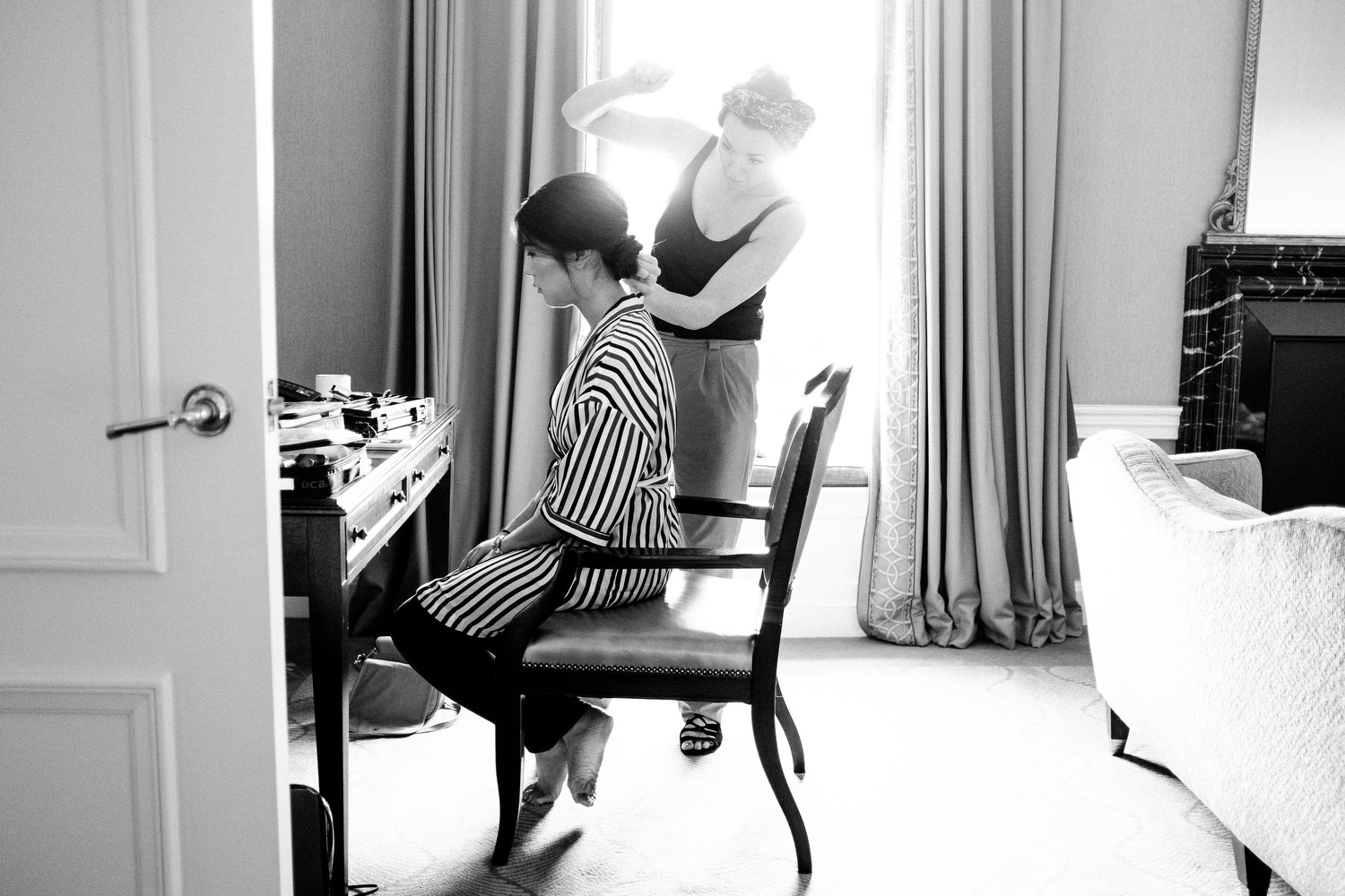 dmp0130_preparation_photographer_dublin_david_mcclelland_photography_shelbourne_documentary_wedding
