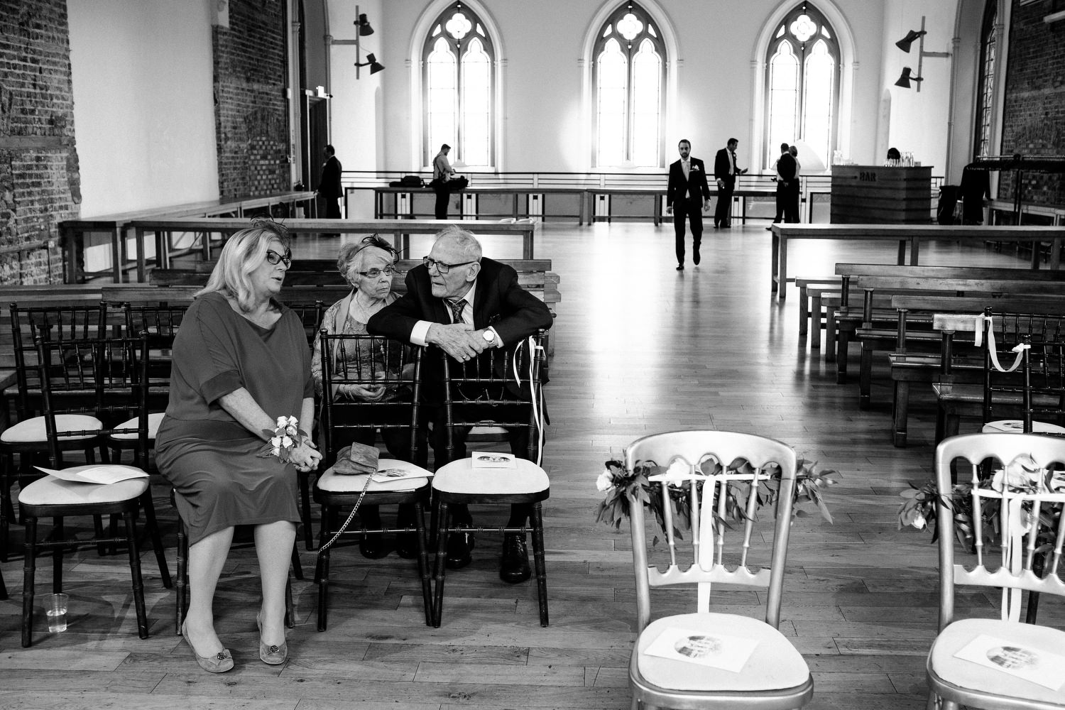 dmp0160_dublin_alley_photography_david_mcclelland_ceremony_humanist_documentary_theatre_smock_wedding_photographer
