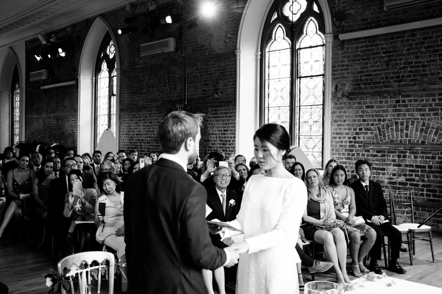dmp0258_dublin_alley_photography_david_mcclelland_ceremony_humanist_documentary_theatre_smock_wedding_photographer