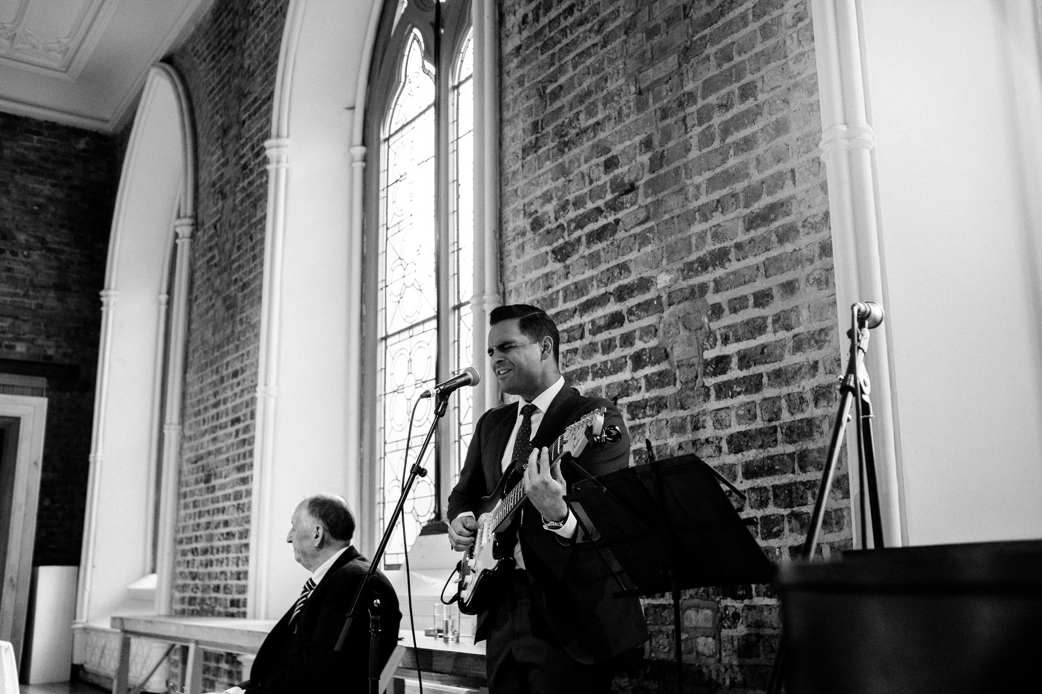 dmp0280_dublin_alley_photography_david_mcclelland_ceremony_humanist_documentary_theatre_smock_wedding_photographer