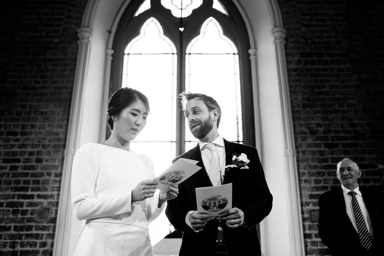 dmp0300_dublin_alley_photography_david_mcclelland_ceremony_humanist_documentary_theatre_smock_wedding_photographer