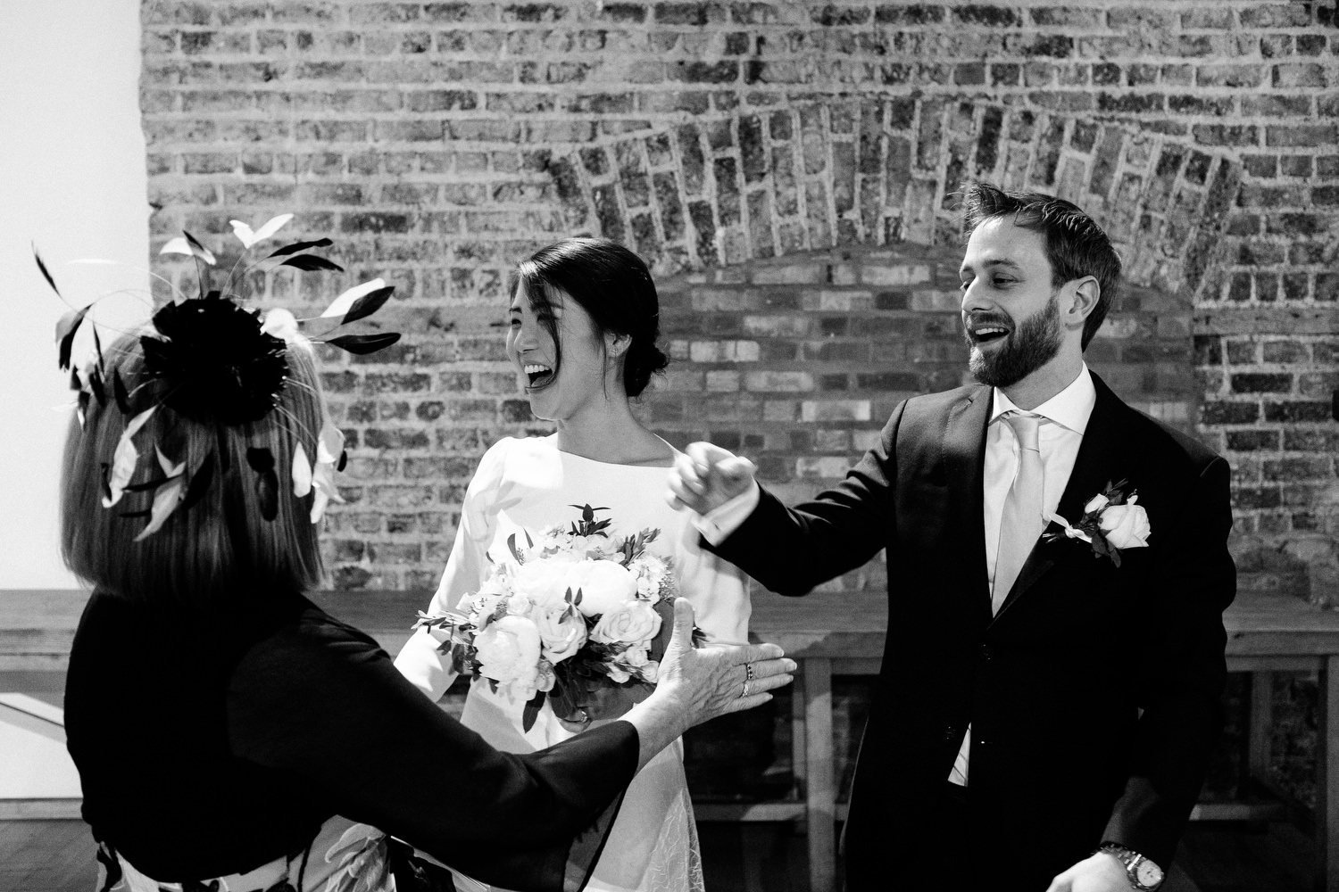 dmp0322_dublin_alley_photography_david_mcclelland_ceremony_humanist_documentary_theatre_smock_wedding_photographer