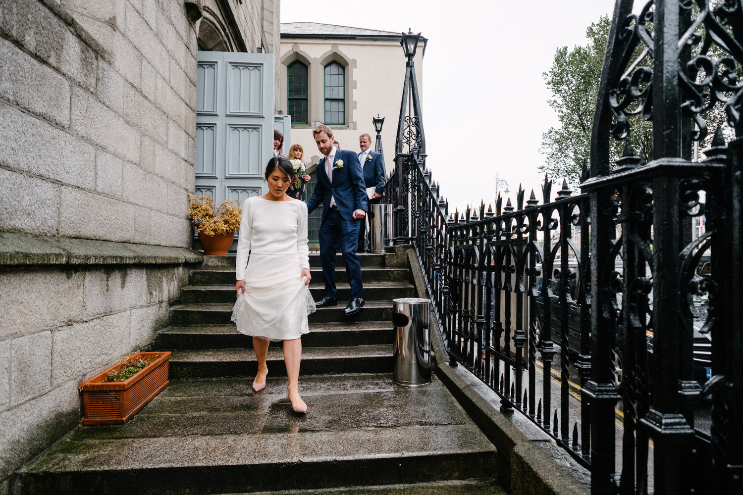 dmp0357_dublin_alley_photography_david_mcclelland_ceremony_humanist_documentary_theatre_smock_wedding_photographer