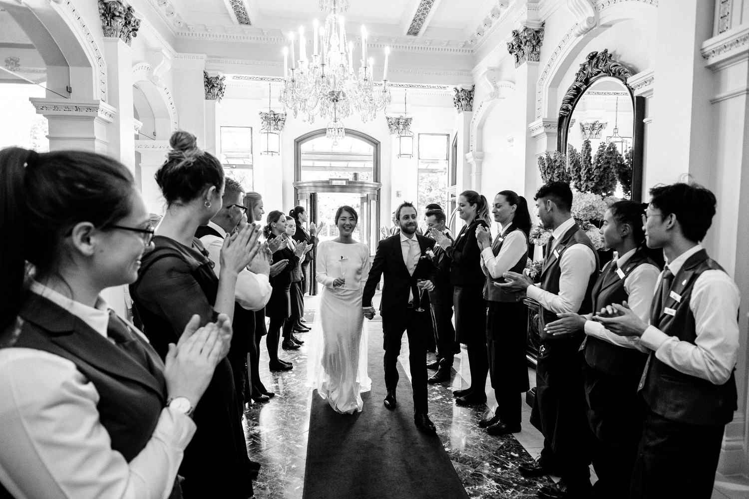 dmp0367_photographer_wedding_dublin_david_mcclelland_candid_photography_fujifilm_shelbourne_reception_documentary