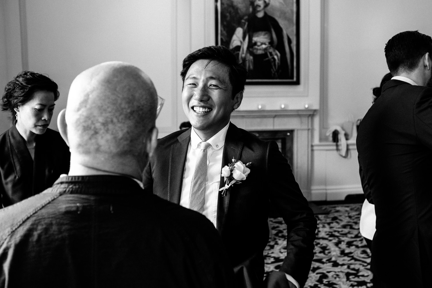 dmp0465_photographer_wedding_dublin_david_mcclelland_candid_photography_fujifilm_shelbourne_reception_documentary