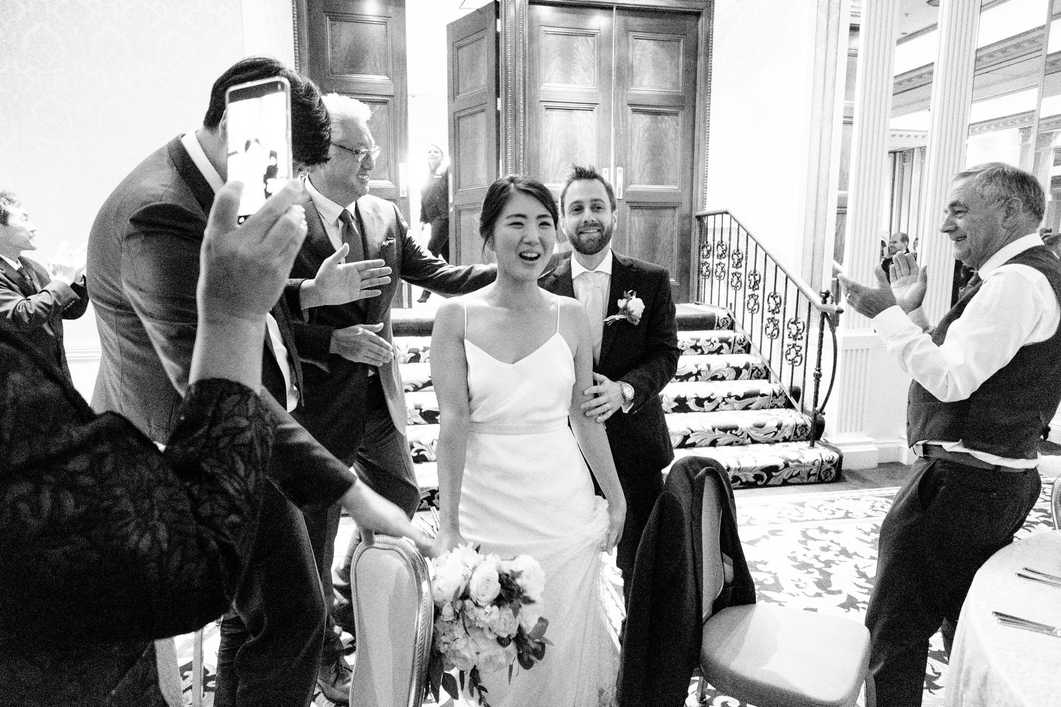 dmp0550_photographer_wedding_dublin_david_mcclelland_candid_photography_fujifilm_shelbourne_reception_documentary