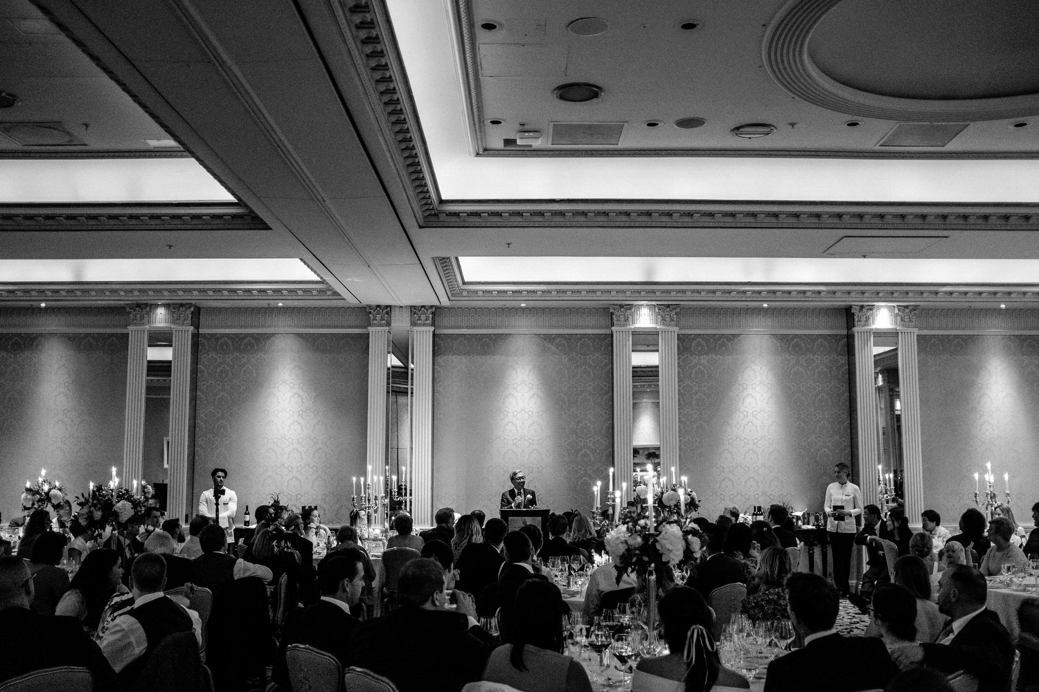 dmp0571_photographer_wedding_dublin_david_mcclelland_candid_photography_fujifilm_shelbourne_reception_documentary