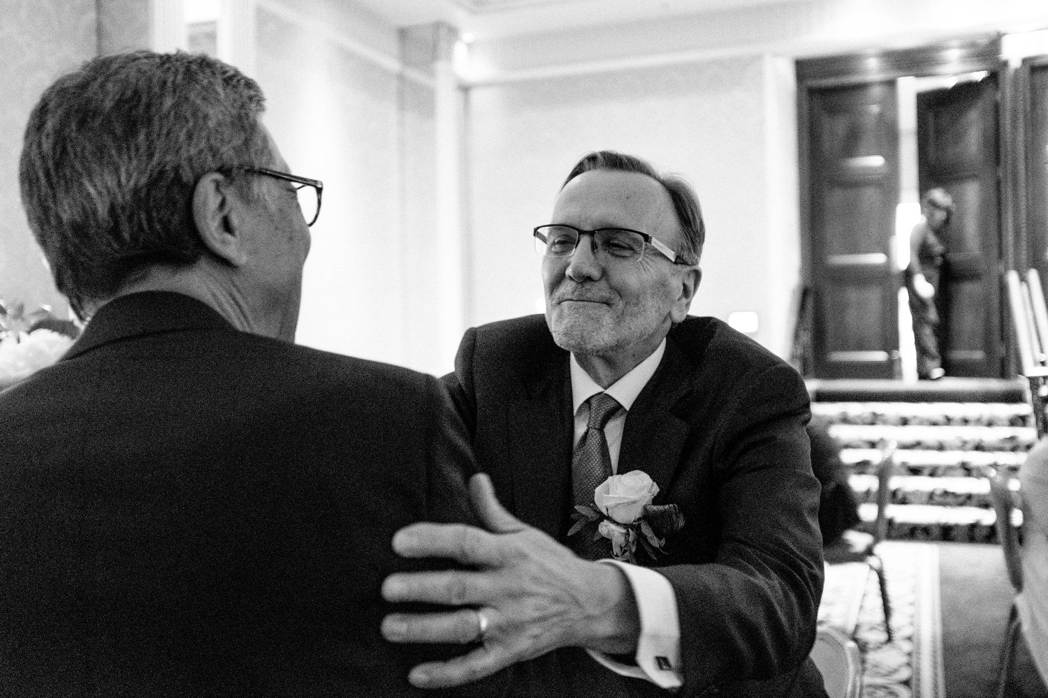 dmp0584_photographer_wedding_dublin_david_mcclelland_candid_photography_fujifilm_shelbourne_reception_documentary