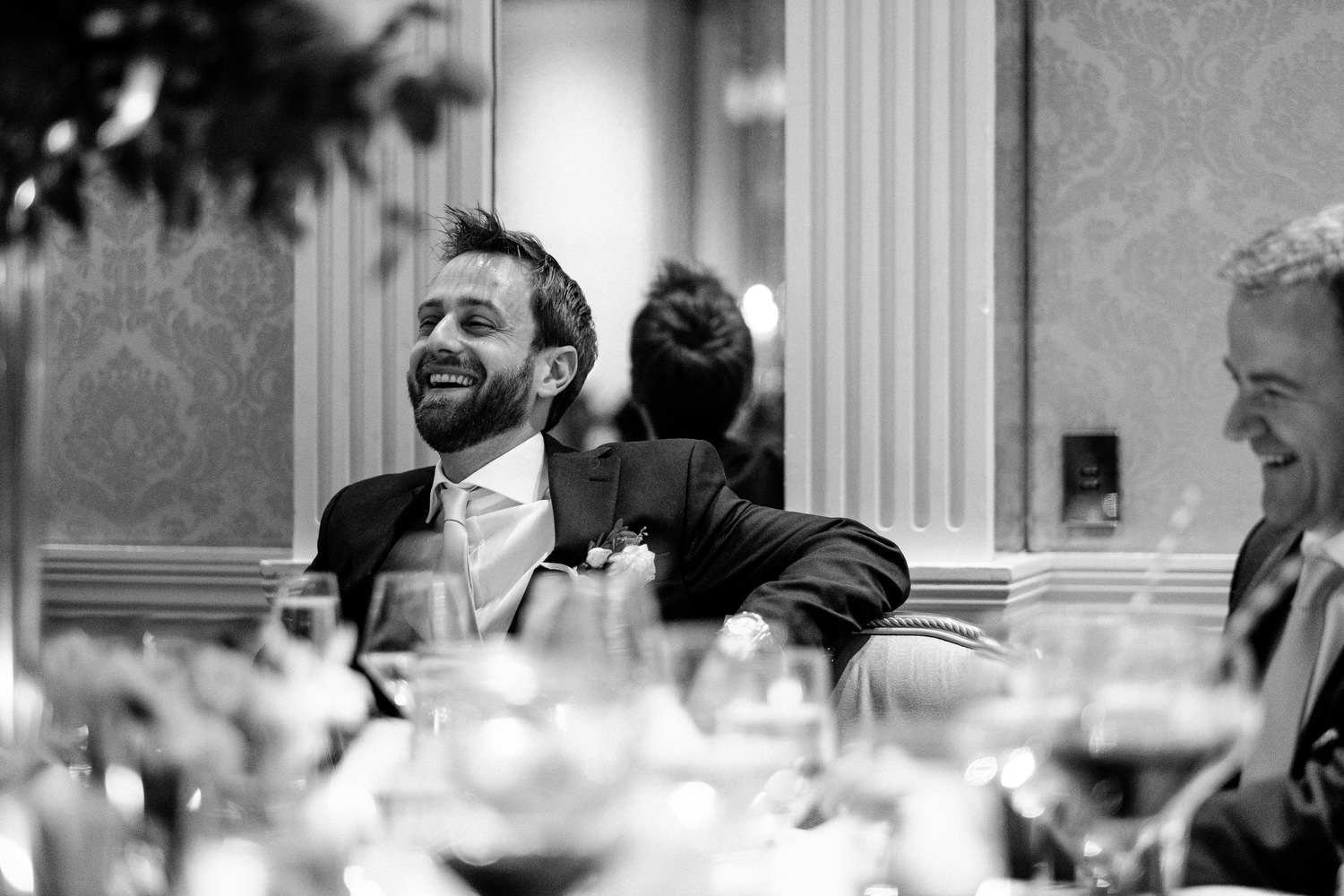 dmp0614_photographer_wedding_dublin_david_mcclelland_candid_photography_fujifilm_shelbourne_reception_documentary