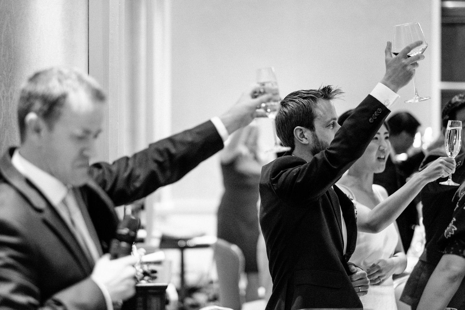 dmp0649_photographer_wedding_dublin_david_mcclelland_candid_photography_fujifilm_shelbourne_reception_documentary