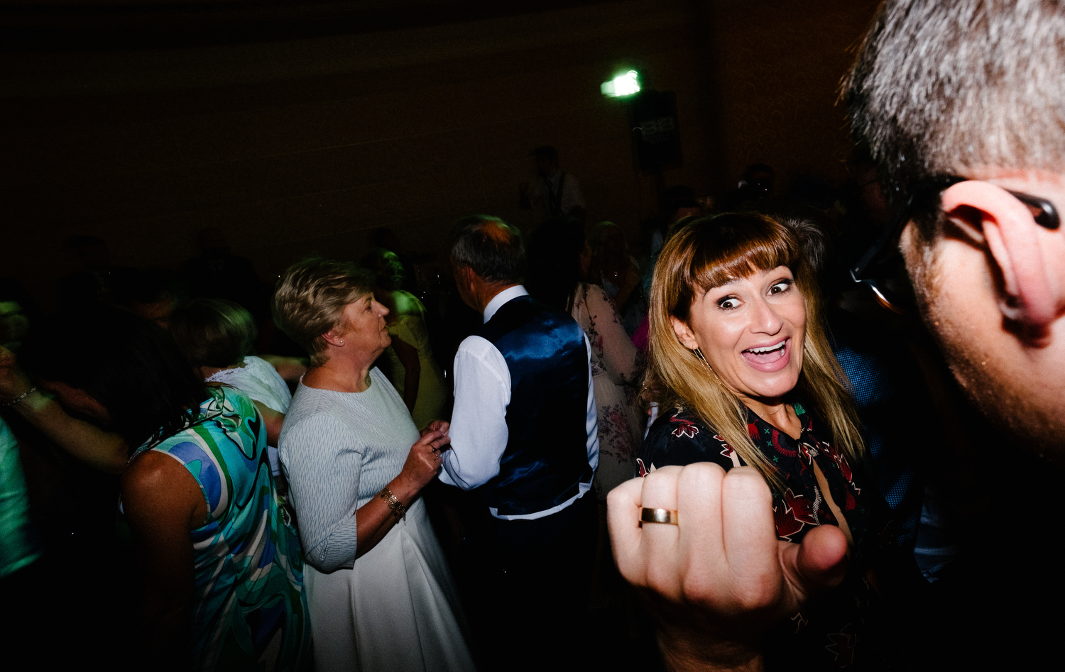 dmp0692_photographer_wedding_dublin_david_mcclelland_candid_photography_fujifilm_shelbourne_reception_documentary