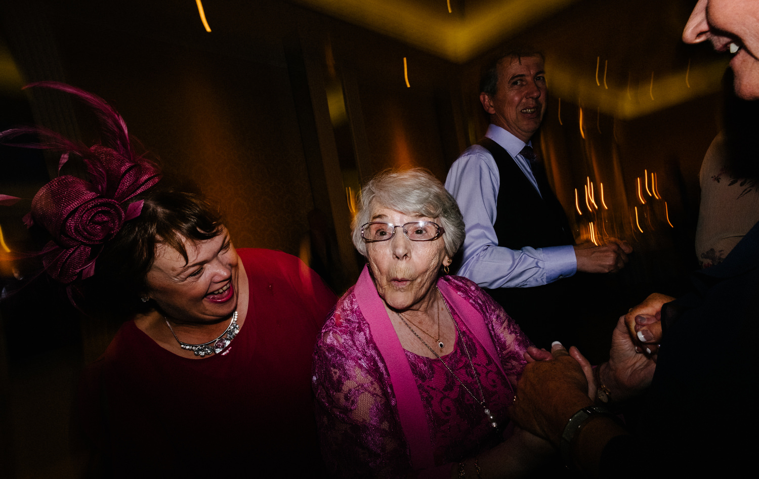 dmp0694_photographer_wedding_dublin_david_mcclelland_candid_photography_fujifilm_shelbourne_reception_documentary