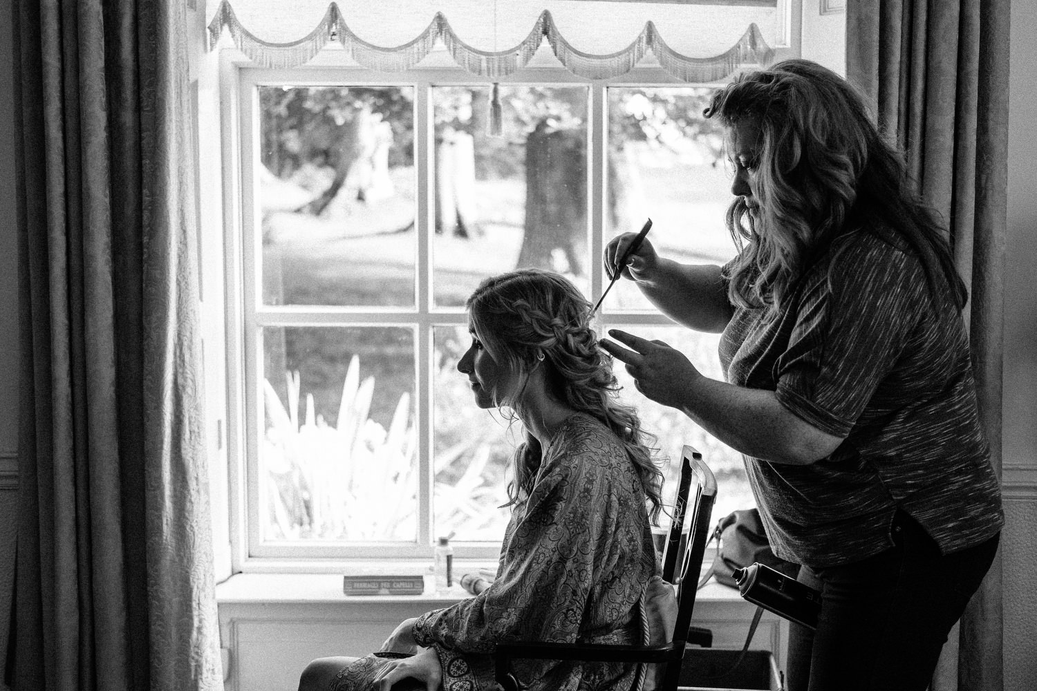 000000000000000000000032_bride_style_preparation_vintage_Hair_dress_photography_david_mcclelland_ireland_makeup_castle_hollywood_kinnity_wedding_photographer_fujifilm