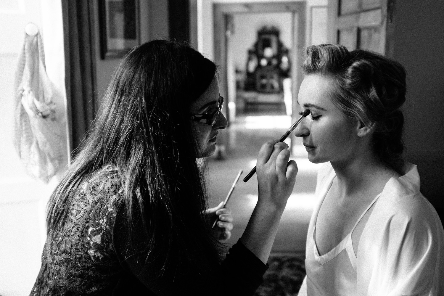 000000000000000000000045_bride_style_preparation_vintage_Hair_dress_photography_david_mcclelland_ireland_makeup_castle_hollywood_kinnity_wedding_photographer_fujifilm