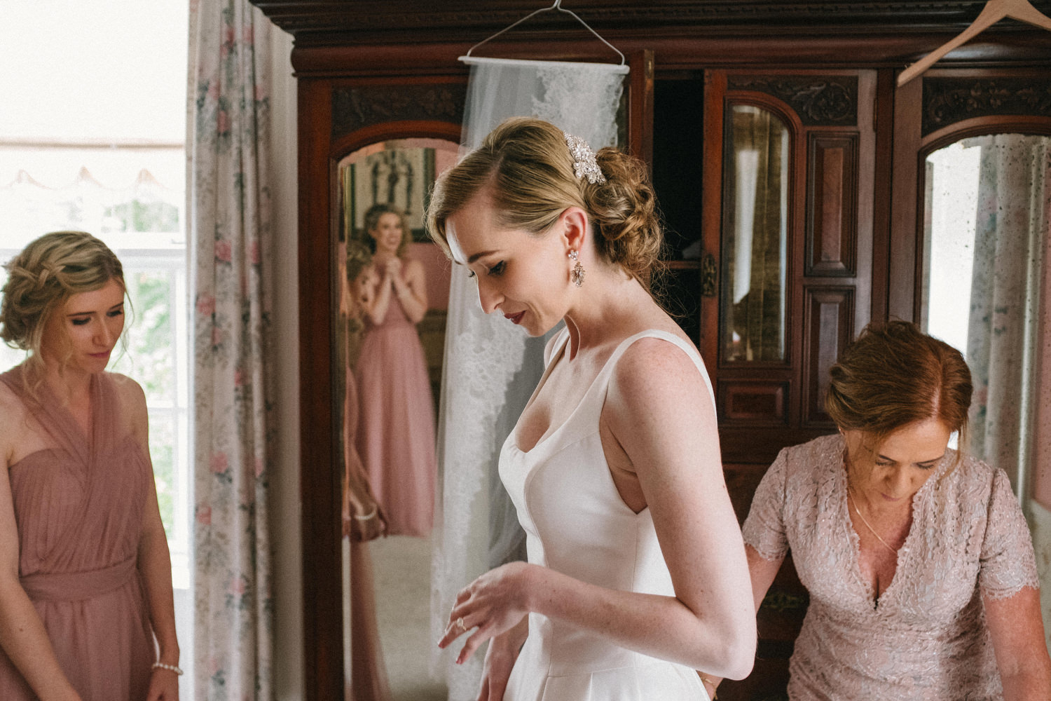 000000000000000000000074_bride_style_preparation_vintage_Hair_dress_photography_david_mcclelland_ireland_makeup_castle_hollywood_kinnity_wedding_photographer_fujifilm