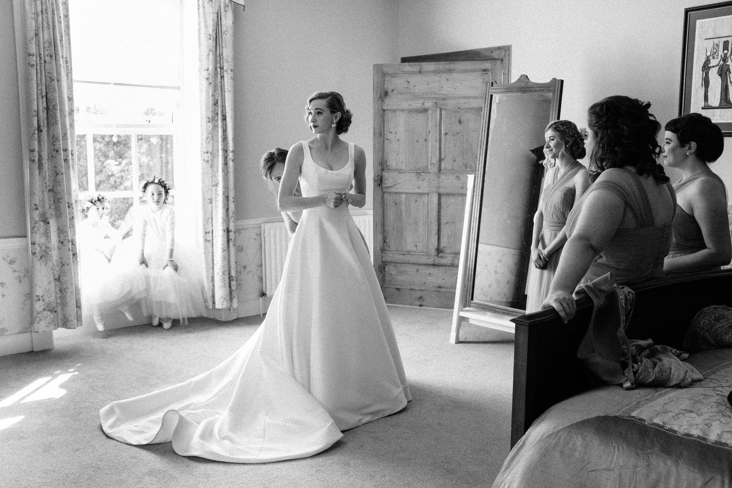 000000000000000000000081_bride_style_preparation_vintage_Hair_dress_photography_david_mcclelland_ireland_makeup_castle_hollywood_kinnity_wedding_photographer_fujifilm
