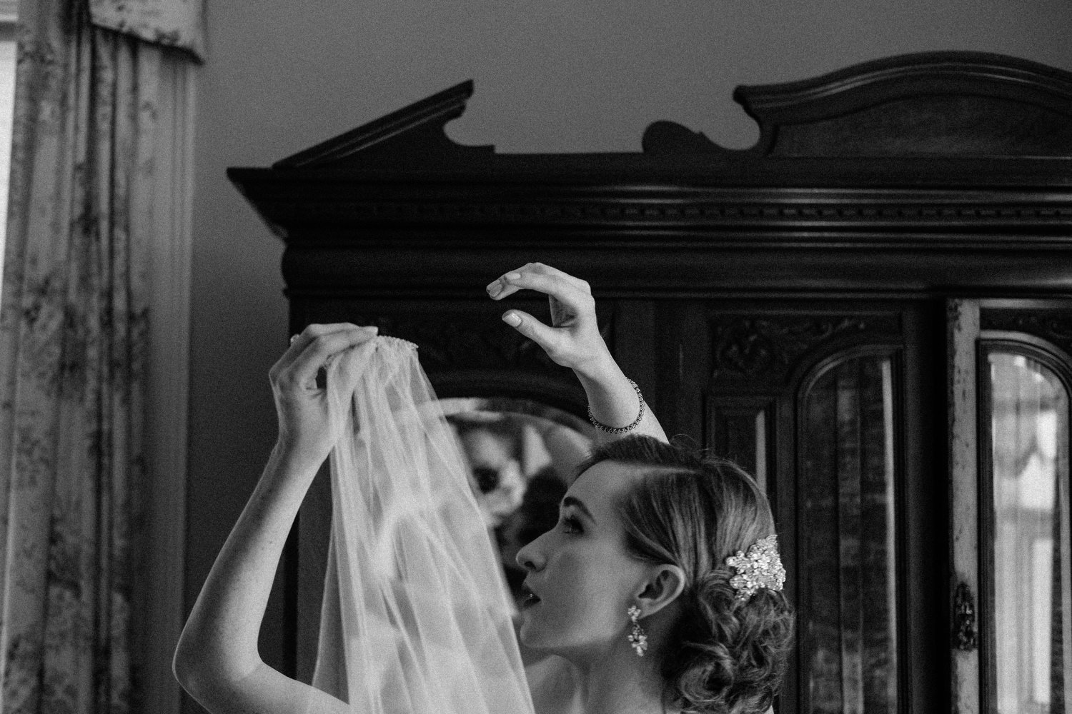 000000000000000000000086_bride_style_preparation_vintage_Hair_dress_photography_david_mcclelland_ireland_makeup_castle_hollywood_kinnity_wedding_photographer_fujifilm