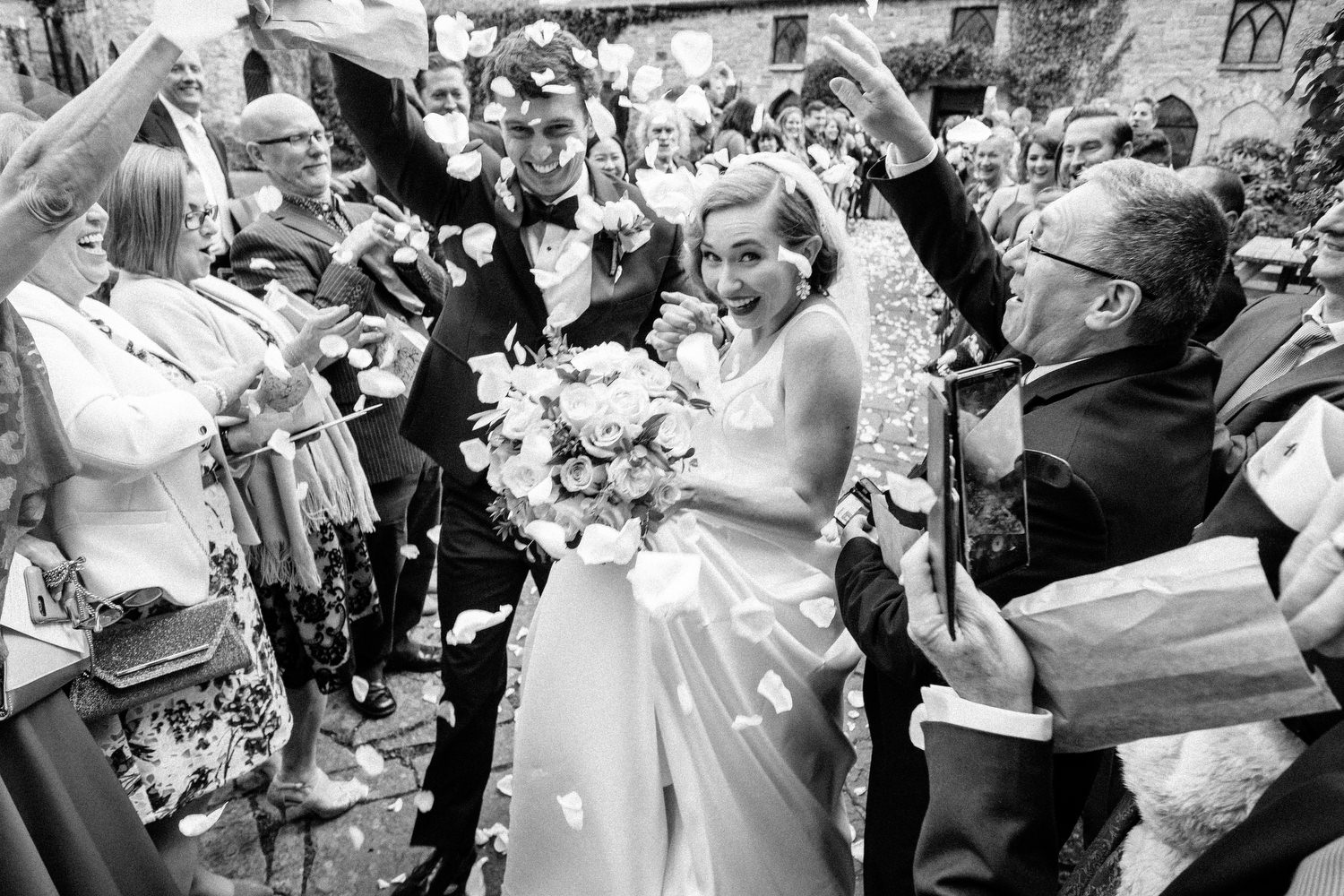 000000000000000000000129_bride_style_vintage_photography_david_mcclelland_ireland_castle_hollywood_petals_confetti_kinnity_wedding_photographer_fujifilm