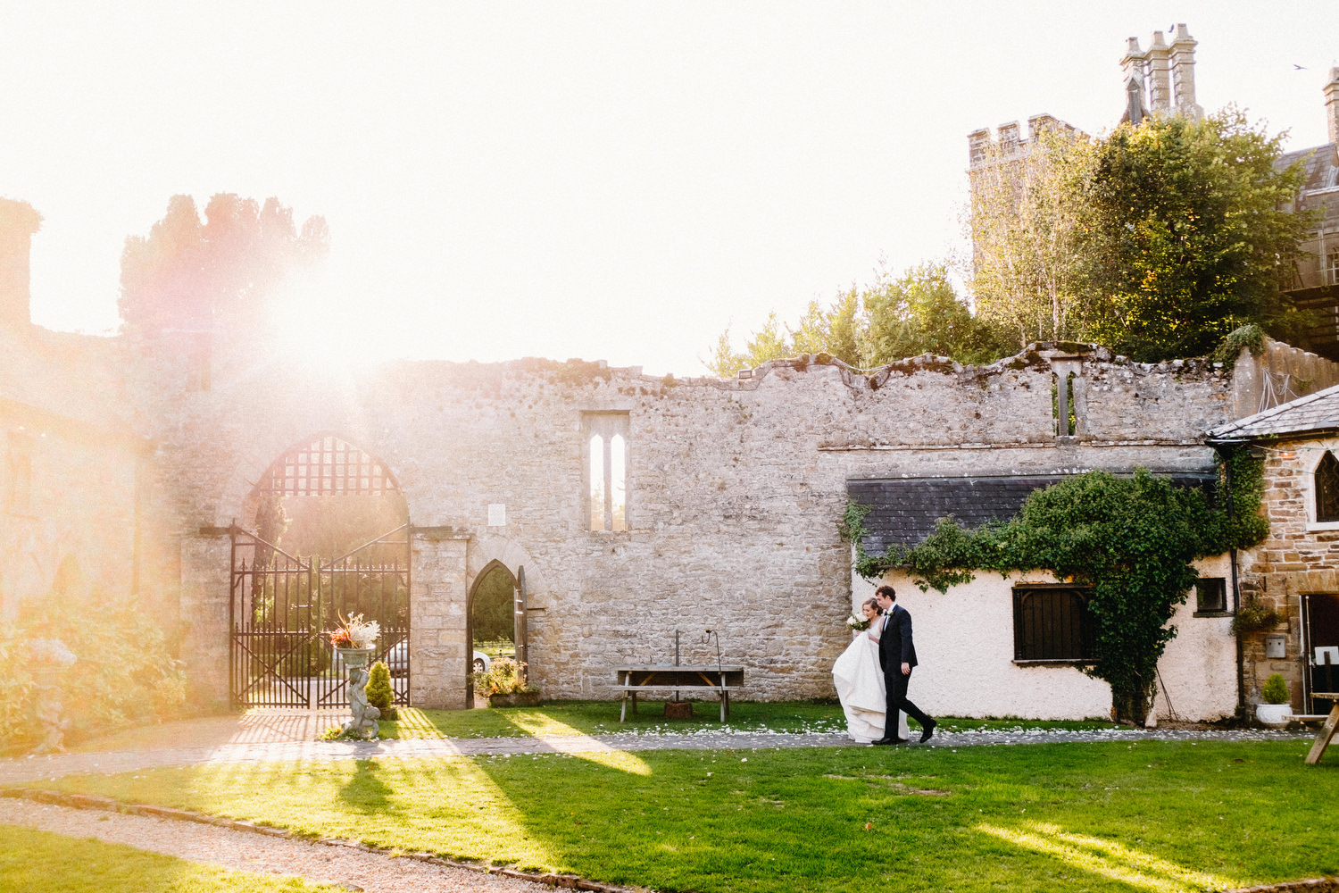 000000000000000000000175_bride_style_vintage_photography_david_mcclelland_ireland_castle_hollywood_kinnity_wedding_photographer_fujifilm