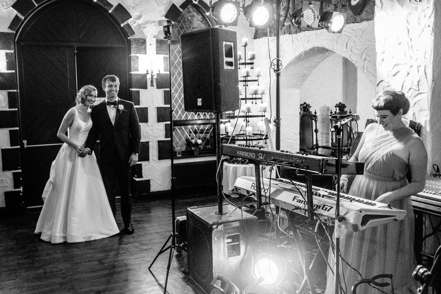 000000000000000000000198_bride_style_vintage_photography_david_mcclelland_ireland_castle_hollywood_kinnity_wedding_photographer_fujifilm