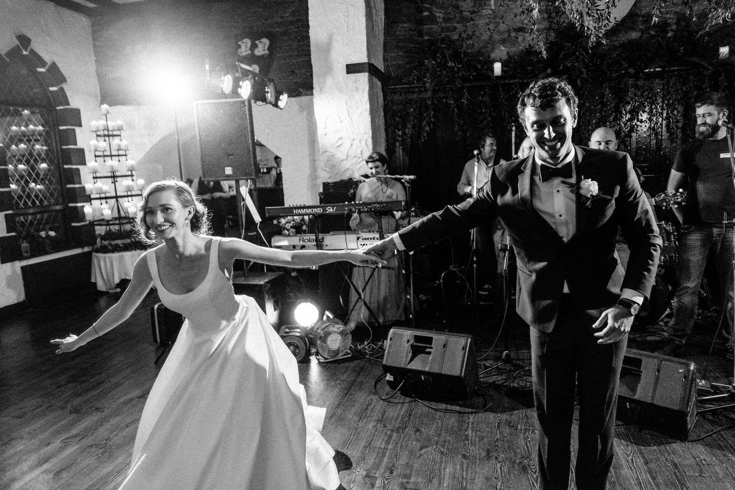 000000000000000000000204_bride_style_vintage_photography_david_mcclelland_ireland_castle_hollywood_kinnity_wedding_photographer_fujifilm